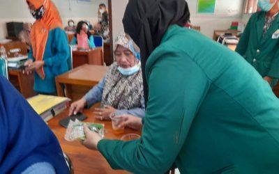 Dosen Kesmas Ajak Guru SDN Pacar Kembang 1 Surabaya Buat Minuman Herbal